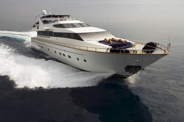 Плавающий на собственной яхте