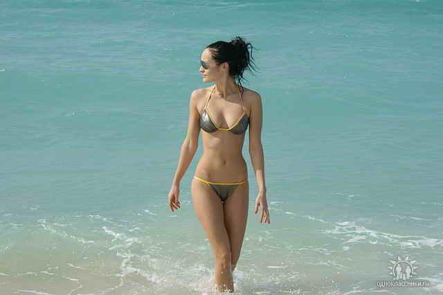 Фото девушек из социальных сетей на пляже 16